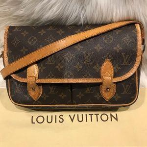 Authentic Louis Vuitton Gibeciere GM (Large) #7.1K